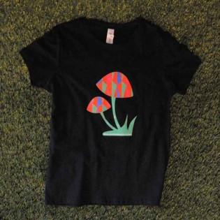 T-shirt μαύρο Μανιτάρι